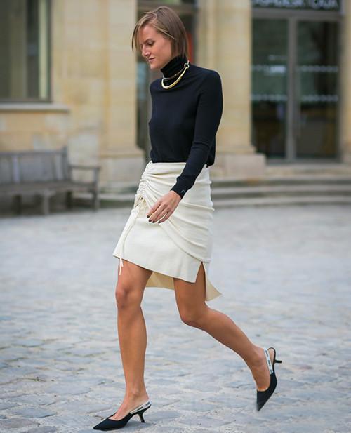 皮鞋时尚资讯:低跟鞋被评为年度最值得入手鞋款