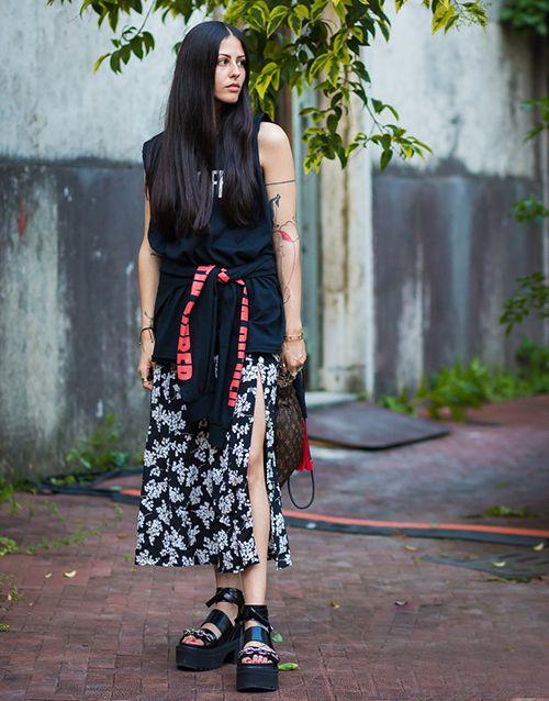 时尚资讯:开衩裙+厚底鞋