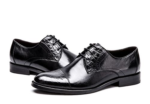 脚宽的穿什么样子的鞋会显得好看