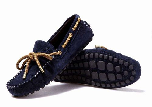 奥康皮鞋专卖店:豆豆鞋搭配