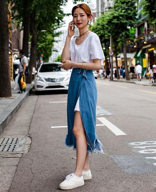 运动鞋+半裙搭配时尚资讯