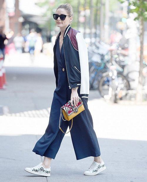 运动鞋+阔腿裤搭配时尚资讯