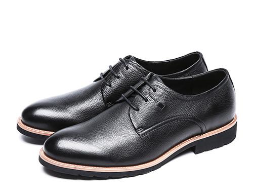 如何清洁男士皮鞋