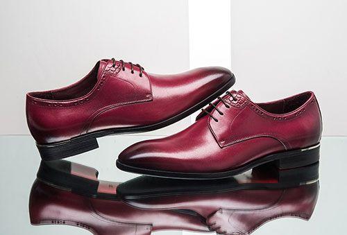 炭色西装搭配什么颜色的男士皮鞋