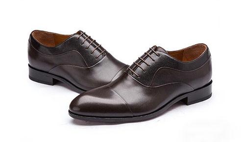 西装&皮鞋的色彩搭配