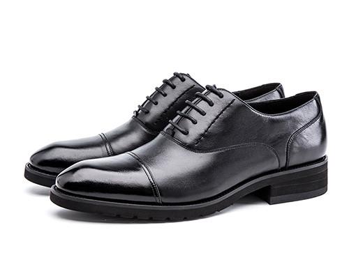 小个子男士适合穿什么样的皮鞋和西装