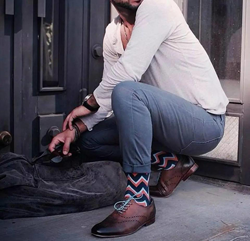 休闲皮鞋搭配袜子