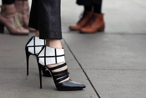 时尚资讯:10cm以上的高跟鞋危害大