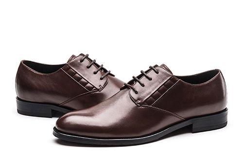 如何区分真假真皮正装皮鞋