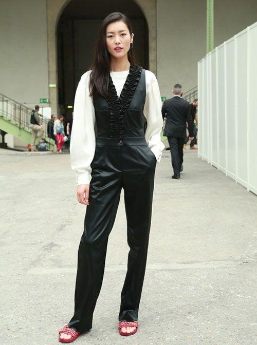 皮鞋时尚资讯:刘雯宋佳穿的拖鞋