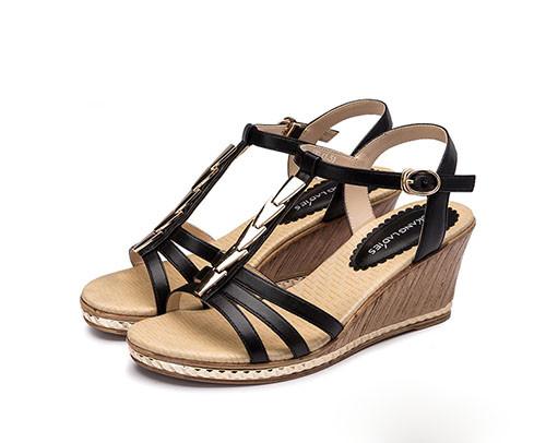 35-45岁女士夏天适合穿什么奥康凉鞋