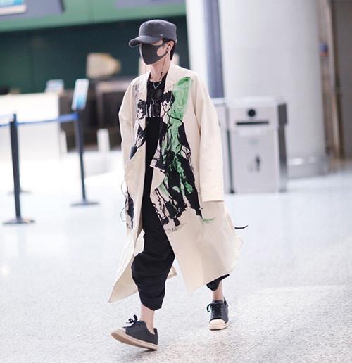 皮鞋时尚资讯:华晨宇穿衣