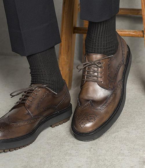 皮鞋搭配袜子