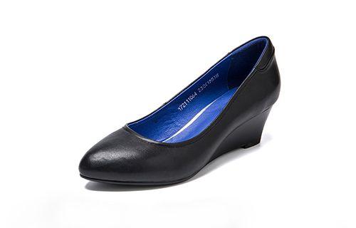 皮鞋资讯:母亲节送什么礼物给妈妈