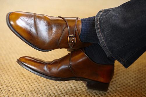皮鞋搭配牛仔裤