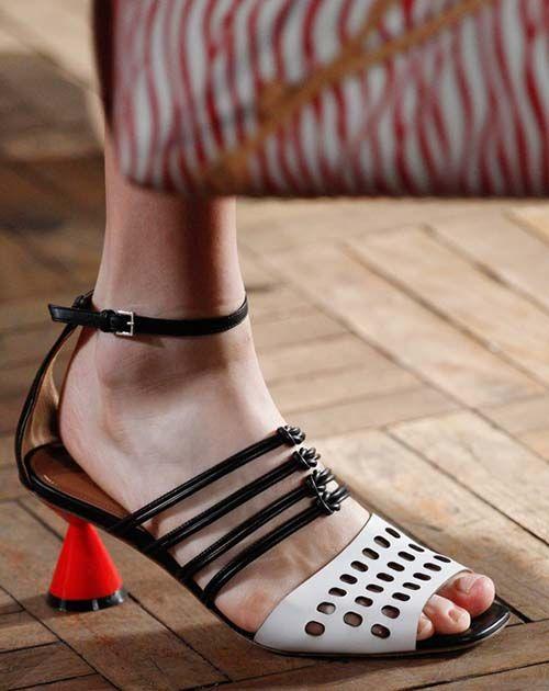 时尚资讯:夏季猫跟鞋