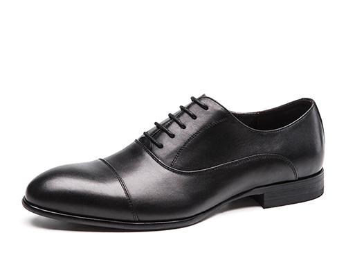如何选购好的男士皮鞋
